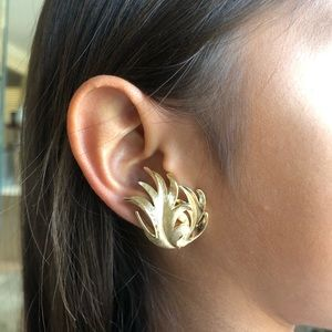 Vintage Trifari Clip-On Leaves Earrings Brass